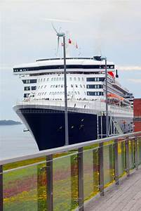 RMS Queen Mary 2 enters Halifax harbour on 175-th Cunard ...