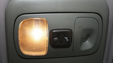 Cars Interior Light : Is It Illegal To Drive With Interior Lights On In