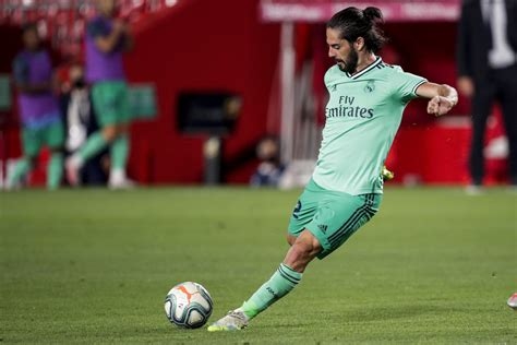 Real Madrid: The two clubs currently in the best spot for Isco