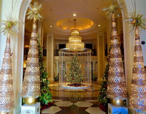 holiday hotel decorations  beverly hills