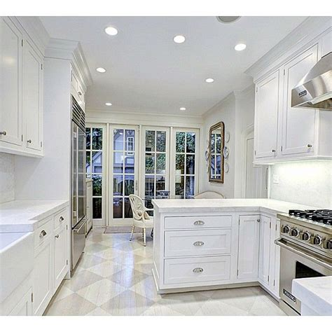 how to choose kitchen flooring 1000 ideas about benjamin coventry gray on 7209