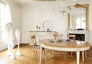 Plafonnier Salle à Manger : comment d corer avec le grand miroir ancien id es en photos ~ Teatrodelosmanantiales.com Idées de Décoration