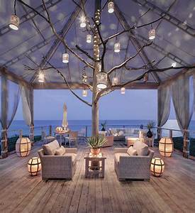 25 outdoor lantern lighting ideas that dazzle and amaze With best outdoor lighting for beach house