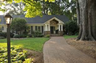 Decorative Brick Ranch House by Exterior Ranch Design Stuck With A Brick Ranch