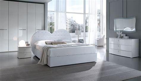 camera da letto  cuore  swarovski  solo mobili