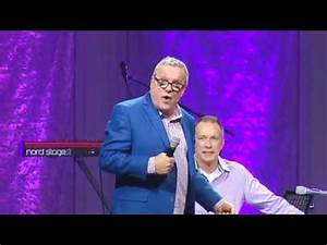 Mark Lowry - My first Gaither Cruise - YouTube