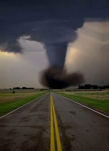 La Belleza Fatal De La Naturaleza  Tornados Y Huracanes