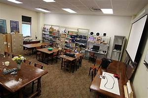 A Librarian's Guide to Makerspaces: 16 Resources   Making ...