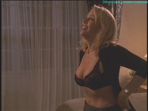 gail o grady nue dans sex and the single mom