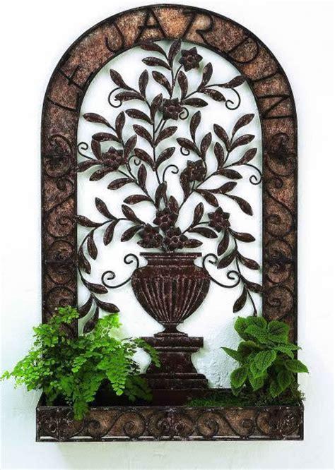 tuscan le gardin iron  tole wall planter  urn