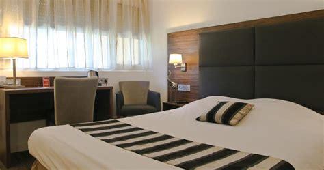 chambre hotel bordeaux hôtel bordeaux mérignac près de l 39 aéroport 3 étoiles