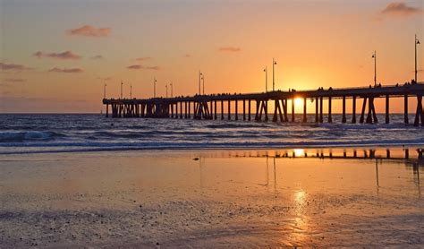 Venice Pier Beach, Los Angeles, CA - California Beaches