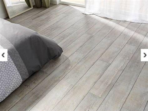 dalle de sol chambre quel sol vinyle choisir selon la pièce de destination