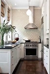 31 stylish and functional super narrow kitchen design for Lovable narrow kitchen ideas