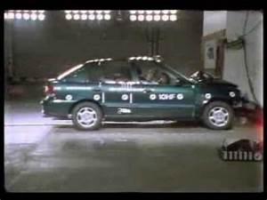 Hyundai Accent 2003 ANCAP Crash Test (3 stars) Doovi