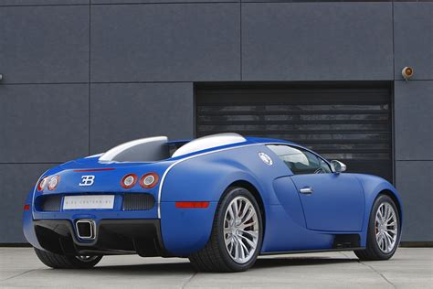 2009 Bugatti 16/4 Veyron Bleu Centenaire