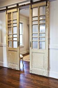 20 diy ideas tutorials to use barn doors in your home 2017 for Barn doors for home use