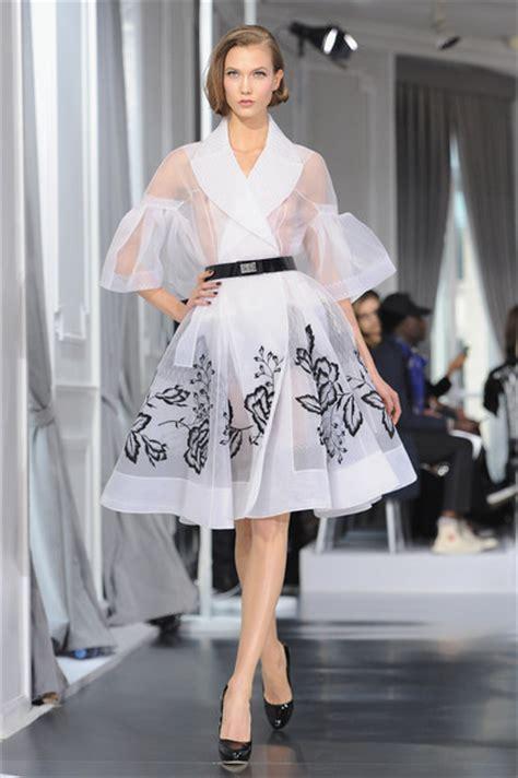 Karlie Kloss Pictures Dior Runway Paris Fashion Week