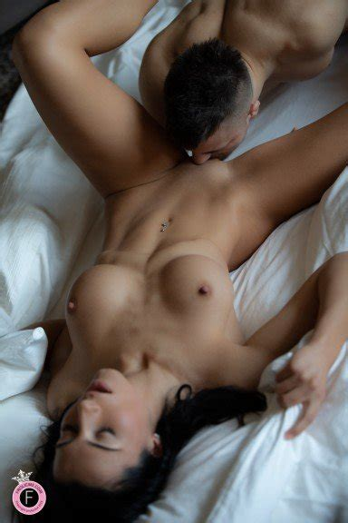 Erotic Couples Sex Pictures To Compliment The Online Adult