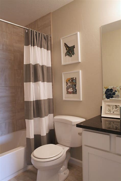 Best Modern Bathroom Colors by I Like The Linen Look Tiles In The Bath Surround Goes