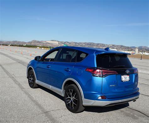 2016 Toyota Rav4 Hybrid And Rav4 Se