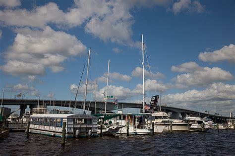 Boat R Downtown Jacksonville by Jacksonville Riverfront Jacksonville Fl Flickr Photo