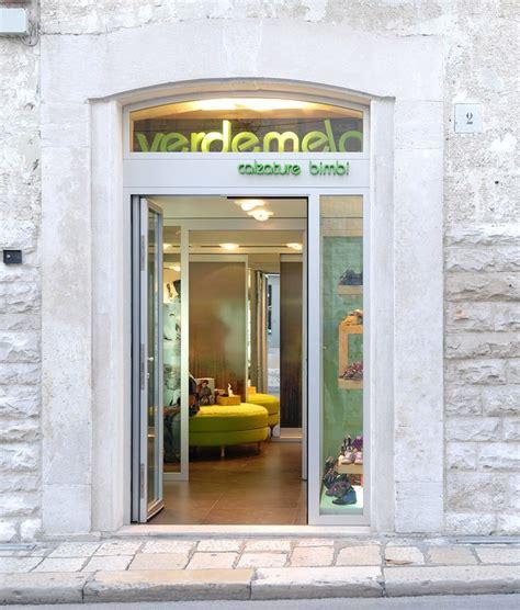 Negozi Mobili Bari by Arredamento Negozio Calzature Verdemela Bisceglie Bari Puglia