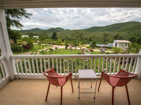 terrazzo e balcone arredare balcone lungo e stretto