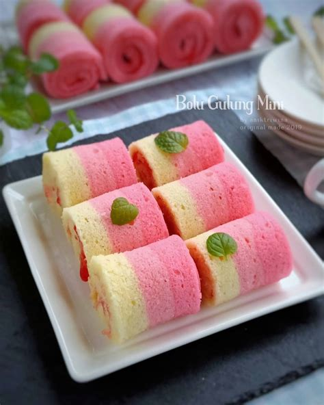 Resep bolu pisang apk was fetched from play store which means it is unmodified and original. Resep Bolu Gulung Mini Anti-Gagal, Sederhana Tapi Enak! - Resep Spesial