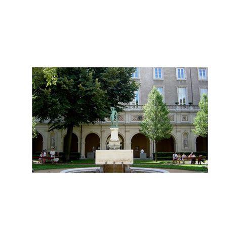 Jardin Du Palais Saint Pierre  Les Rues De Lyon