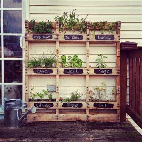 Vertical Herb Garden Pallet by Best 25 Herb Garden Pallet Ideas On Vertical