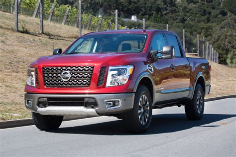 nissan truck titan 2017 2017 nissan titan crew cab pricing for sale edmunds