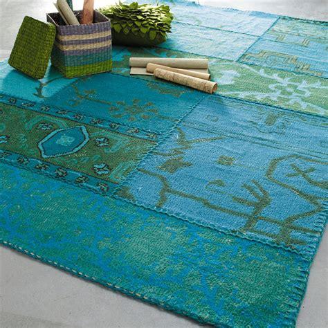 tapis en bleue 140 x 200 cm izmir maisons du monde