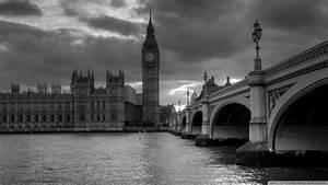 White And Black : black and white london wallpaper wallpapersafari ~ Medecine-chirurgie-esthetiques.com Avis de Voitures