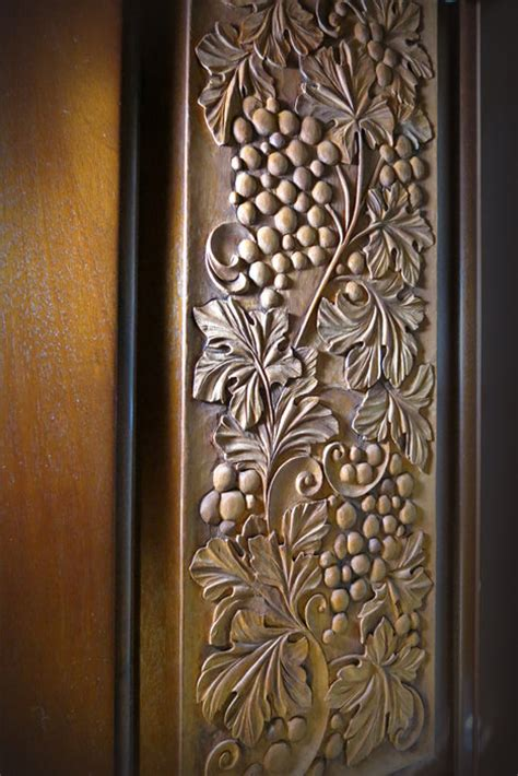woodcarving   relief  deep carving  antique