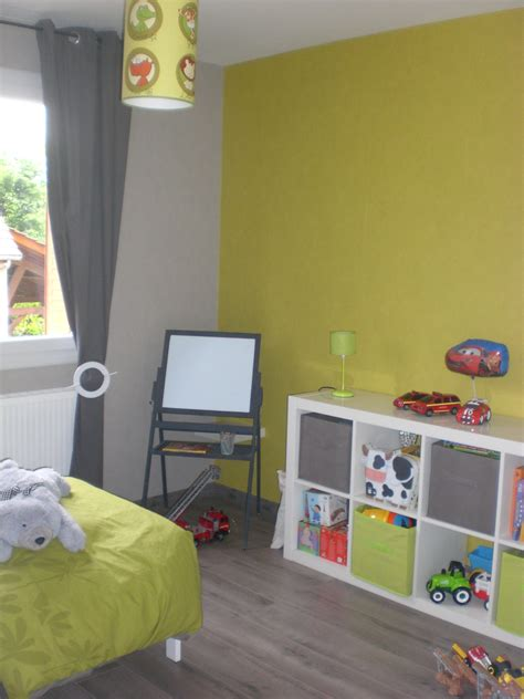 chambre garcon vert awesome chambre bebe grise et verte pictures matkin info