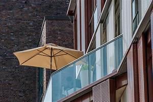 idealer sonnenschirm fur balkon oder terrasse qualitat With französischer balkon mit sonnenschirm uv standard 801
