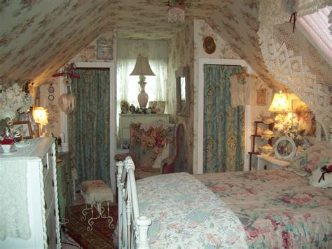 Cottage Bedrooms by Best 25 Cottage Bedrooms Ideas On Country