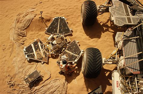 The real Mars lander in 'The Martian': Fact checking the ...