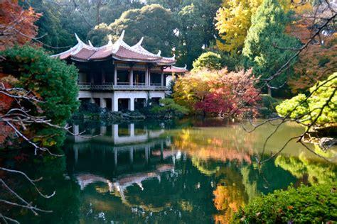 shinjuku gyoen national garden tokyo s shinjuku gyoen national garden come and go