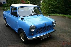 Classic 1970 Mini Pickup