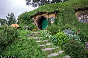 'Hobbit' hole in Washington state based on Bilbo Baggins