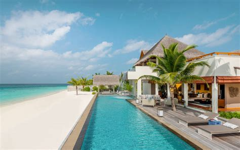 seasons resort maldives  landaa giraavaru kuoni