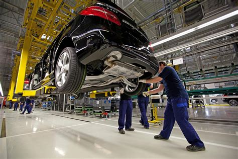 mercedes factory mercedes hungarian plant builds 250 000th vehicle carscoops