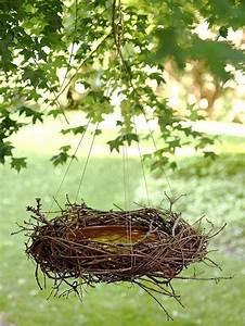 Vogeltränke Selber Bauen : vogeltr nke selbst machen aus blumentopfuntersetzer einem reisigkranz vogelh uschen co ~ Orissabook.com Haus und Dekorationen