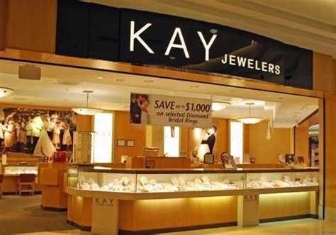Middle-class buyers give Kay Jewelers owner a lift - News
