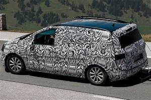 Spyshots  2015 Volkswagen Touran Getting Mqb Platform
