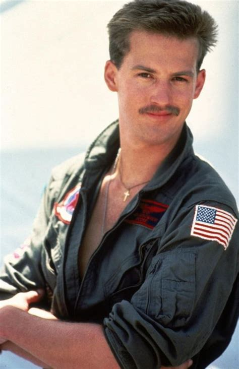 , anthony edwards as lt. Top Gun's Anthony Edwards rallies Twitter for 'Ghost Goose' sequel