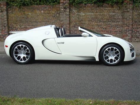 La supercar remporta en effet un nouveau record du monde de vitesse. 2009 Used Bugatti Veyron 16.4 Grand Sport | Single Tone White