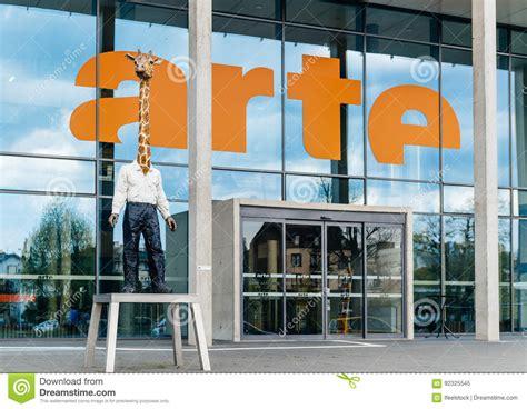 optical center siege social arte association relative un siège social de télévision d